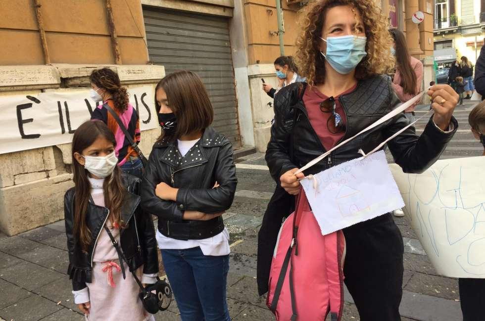 scuola in protesta